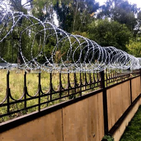 Наши работы по монтажу спирального барьера безопасности СББ АКЛ
